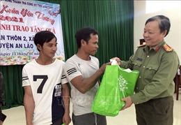 Mang Tết đến với đồng bào dân tộc vùng cao Bình Định