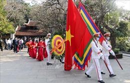 Dâng hương tưởng niệm, tri ân công đức các Vua Hùng