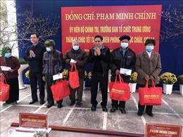 Đồng chí Phạm Minh Chính thăm, tặng quàcác đối tượng chính sách tỉnh Sơn La