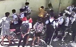 Một học sinh lớp 8 ở Biên Hòa bị đánh hội đồng, chấn thương nặng