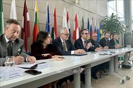 Đại sứ EU khẳng định tính an toàn của vaccine AstraZeneca cung cấp cho Việt Nam