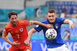 Italy cùng Xứ Wales đại diện bảng A giành vé vào vòng knock-out