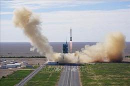 Tàu vũ trụ Thần Châu 12 ghép nối thành công với trạm Thiên Cung