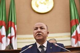 Điện mừng lãnh đạo nướcCộng hòa Algeria Dân chủ và Nhân dân