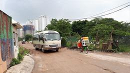 Xử lý xe chở vật liệu xây dựng vương vãi đất cát ra đường Võ Chí Công
