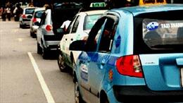 Hà Nội cho taxi 'mặc đồng phục', phân vùng đón trả khách, liệu có khả thi?