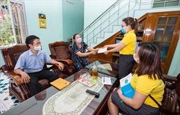 Dịch COVID-19: Đây là 3 cách đăng ký nhận lương hưu, trợ cấp BHXH tháng 4 - 5 tại nhà