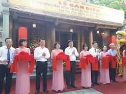 Gắn biển công trình tu bổ, tôn tạo đình Nam Hương tại phố cổ Hà Nội