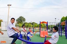 Trao tặng quà cho trẻ em có hoàn cảnh khó khăn dịp Tết trung thu