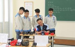 Giáo viên trường nghề phải có chứng chỉ tin học, ngoại ngữ nữa không?