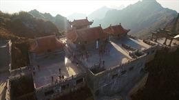 Nét kiến trúc tâm linh thuần Việt trên những 'đỉnh trời'