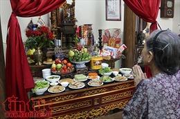 Mâm cơm lễ cúng rằm tháng 7 của một gia đình Hà Nội