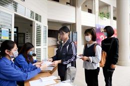 Sinh viên ĐH Quốc gia Hà Nội chủ động phòng chống dịch COVID-19