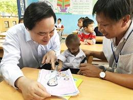 Bộ trưởng Phùng Xuân Nhạ gửi lời chia buồn tới gia đình và nhà trường học sinh Đinh Văn K'rể
