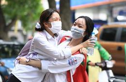 Nóng: Toàn bộ điểm chuẩn vào 4 trường THPT chuyên của Hà Nội, cao nhất là 44 điểm