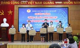 Hà Nội hoàn thành 3 đợt hỗ trợ 'Sóng và máy tính cho em'