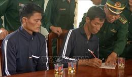 Hai ngư dân Philippines gặp sự cố, trôi dạt nhiều ngày trên biển