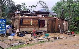 Tố lốc giật tung hàng trăm mái nhà tại Lạng Sơn