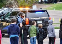 Vụ xả súng trường học ở Mỹ: Hai nghi phạm 'tuổi teen' bị buộc tội giết người