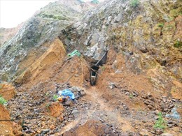 Quảng Nam: Đánh sập các hầm vàng trong phạm vi Vườn quốc gia Sông Thanh