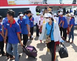 Hỗ trợ đưa 217 thí sinh huyện đảo Phú Quý vào đất liền dự thi THPT quốc gia