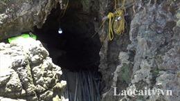 Một người đàn ông bị 'nhốt' trong hang suốt 5 ngày nay do sạt lở đất