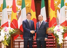 Thủ tướng Nguyễn Xuân Phúc và Thủ tướng Italy Giuseppe Conte gặp gỡ báo chí
