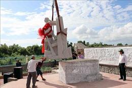 Lễ đặt tượng đài ngành Giao bưu và Vô tuyến điện Nam Bộ tại Cà Mau