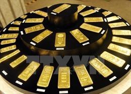 Giá vàng giảm gần 1% sau thông báo áp thuế của Tổng thống Trump