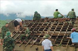 Hà Tĩnh huy động 250 cán bộ, chiến sĩ giúp dân khắc phục hậu quả lốc xoáy