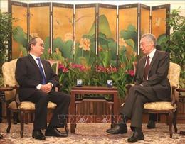 Bí thư Thành ủy Nguyễn Thiện Nhân gặp gỡ Thủ tướng Singapore Lý Hiển Long