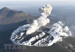 Nhật Bản báo động núi lửa phun trào trở lại
