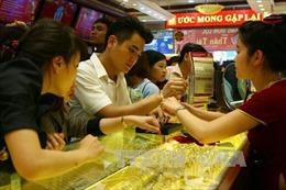 Giá vàng trong nước giảm mạnh 330.000 đồng/lượng