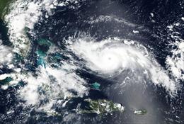 Bão 'quái vật' Dorian mạnh lên thành cấp 'thảm họa' khi tấn công Bahamas, Mỹ