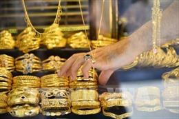 Giá vàng thế giới tăng lên mức cao nhất trong hai tuần qua