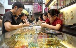 Giá vàng giảm hơn 100.000 đồng/lượng