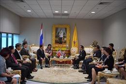 Đồng chí Hầu A Lềnh thăm và làm việc tại Thái Lan