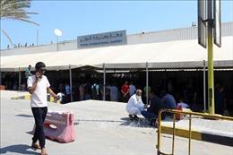Quân đội miền Đông không kích sân bay quốc tế Tripoli