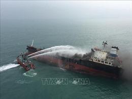 Nước tràn vào tàu chở trên 3.000 tấn hàng gần mũi Kê Gà
