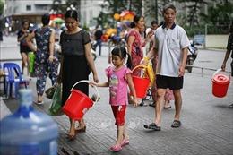 Cung cấp nước sạch miễn phí cho người dân bị ảnh hưởng từ nước sông Đà