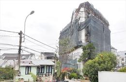 Phạt 15 triệu đồng, buộc tháo dỡ 2 tầng khách sạn xây sai phép tại Đà Lạt