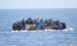 Lật thuyền chở người di cư trên Địa Trung Hải, còn 20 người mất tích
