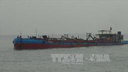 Luồng Cửa Đại bồi lấp nặng, tàu thuyền khó tìm nơi tránh bão