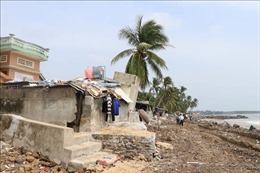 Ban bố tình huống khẩn cấp sạt lở tuyến kè biển bảo vệ sân bay Tuy Hòa