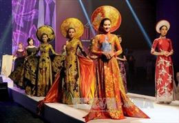 Quảng bá áo dài Việt Nam tại Tuần lễ thời trang toàn cầu ở Ấn Độ