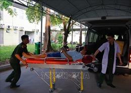 Máy bay quân sự đưa bệnh nhân liệt tứ chi từ Trường Sa về đất liền