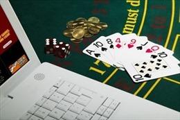 Phá ổ nhóm 22 người Trung Quốc thuê biệt thự để làm giả thẻ ngân hàng, đánh bạc qua mạng