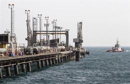 Phiên cuối tuần đầy biến động với giá dầu châu Á