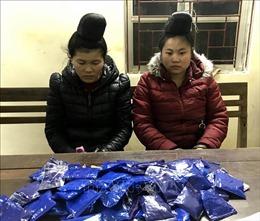 Bắt hai 'nữ quái' mua bán trái phép hơn 17.400 viên ma túy tổng hợp