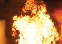 Một người bị bỏng nặng do nổ bếp gas mini